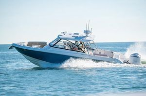 New Everglades 340 Dual Console Cruiser Boat For Sale