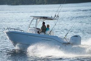 Used Everglades 235 Center Console Center Console Fishing Boat For Sale