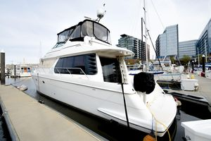 Used Carver 530 Voyager Motor Yacht For Sale