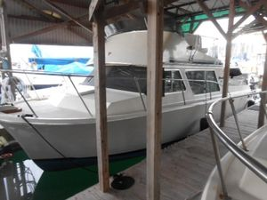 Used Tollycraft 26 Sedan Cuddy Cabin Boat For Sale