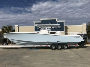 Used Invincible 3939 Center Console Fishing Boat For Sale