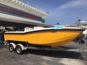 Used M2 Motoryachts 21 Power Catamaran Boat For Sale