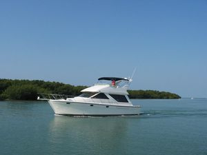 Used Bayliner Command Bridge Motor Yacht For Sale