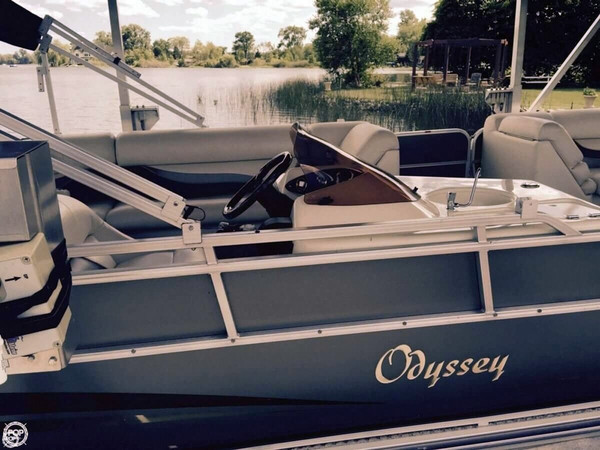 Used Odyssey 725 C Pontoon Boat For Sale