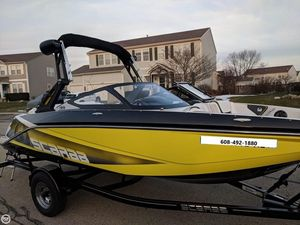 Used Scarab 195 ID Ski and Wakeboard Boat For Sale