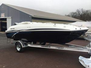 New Hurricane 201 I/O Sundeck Sport201 I/O Sundeck Sport Deck Boat For Sale