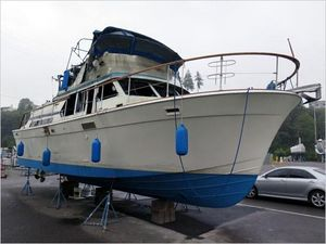 Used Tollycraft Tri-cabin Motor Yacht For Sale