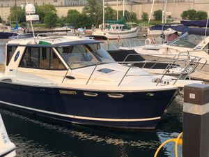 Used Cutwater 28 Luxury Edition HT Cruiser Express Cruiser Boat For Sale