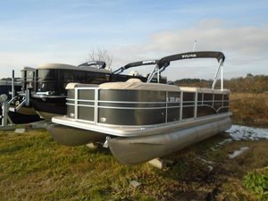 Used Sylvan Mirage 820 CruiseMirage 820 Cruise Pontoon Boat For Sale