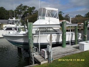Used Bertram 28 Flybridge Boat For Sale