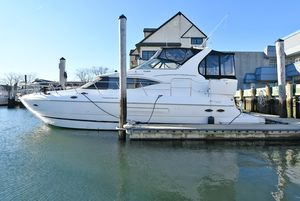 Used Cruisers 4450 Express Motor Yacht Motor Yacht For Sale