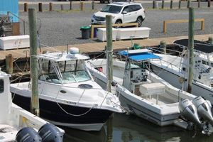 Used Seaswirl Striper 2601 Walkaround I/O Center Console Fishing Boat For Sale