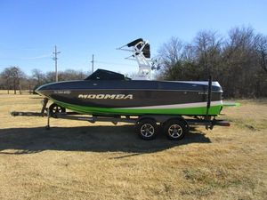 Used Moomba CrazCraz Ski and Wakeboard Boat For Sale