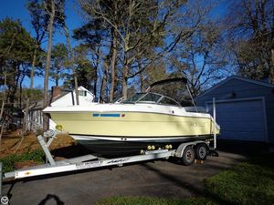 Used Robalo R227 Runabout Boat For Sale