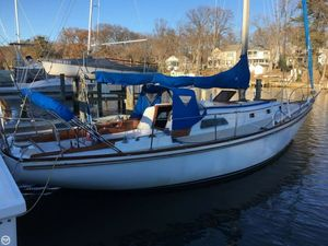 Used Islander 37 Racer and Cruiser Sailboat For Sale