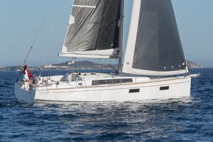 New Beneteau Oceanis 35.1 Racer and Cruiser Sailboat For Sale