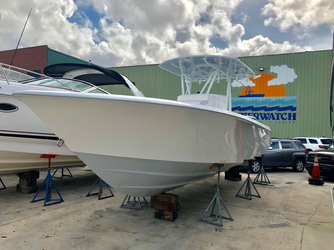 2019 New Contender 30 ST Center Console Fishing Boat For