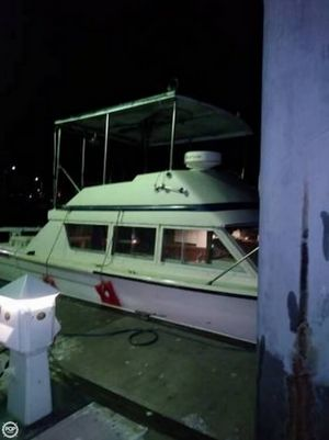 Used Chris-Craft 33 Sports-Sedan Sports Fishing Boat For Sale