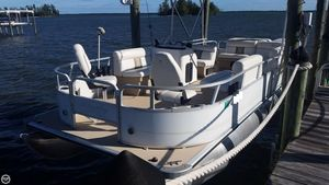 Used Bentley 240 Fish Pontoon Boat For Sale