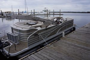Used Bennington 22 SSX Pontoon Boat For Sale