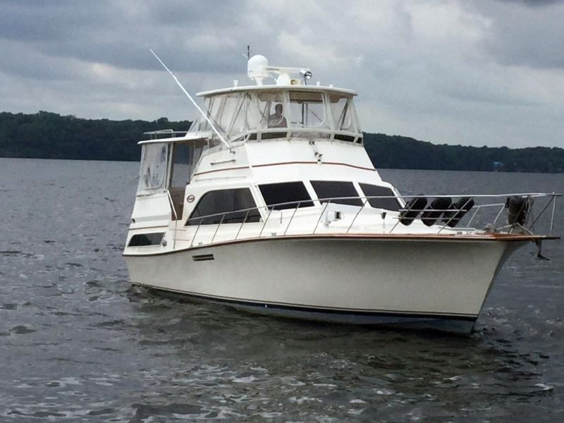 Used Ocean Yachts 46 Sunliner Cruiser Boat For Sale