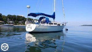 Used Islander Bahama 30 Racer and Cruiser Sailboat For Sale