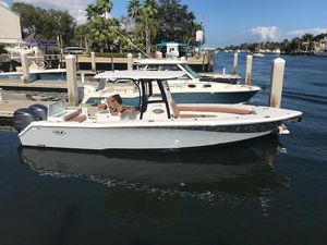 New Sea Hunt 30 Gamefish Center Console Fishing Boat For Sale