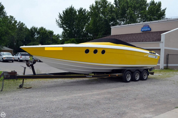 Used Donzi 30 Black Widow High Performance Boat For Sale