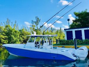 Used Everglades 355 CC355 CC Center Console Fishing Boat For Sale