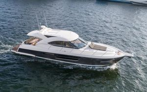 Used Riviera 5000 Sport Yacht Express Cruiser Boat For Sale