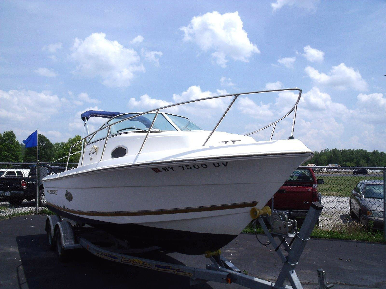 2000 used aquasport 215 explorer saltwater fishing boat for Fishing boats for sale in ohio