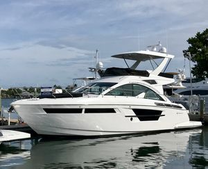 New Cruisers Yachts 54 Fly Motor Yacht For Sale