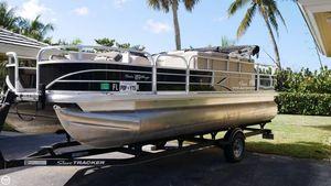 Used Tracker Fishin' Barge 20 DLX Pontoon Boat For Sale