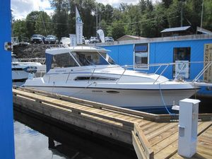 Used Monaro 27 Se/sx Cruiser Boat For Sale