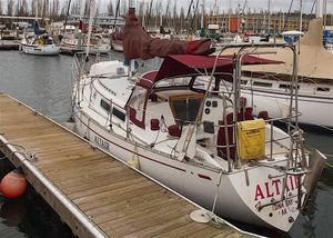 Used Cal 35 Mk-ii Racer and Cruiser Sailboat For Sale