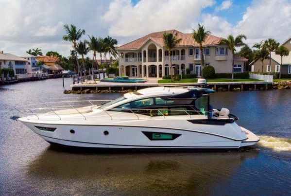 Used Beneteau GT46 Express Cruiser Boat For Sale