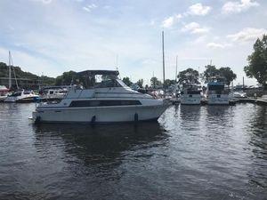 Used Carver Mariner 3297 Flybridge Boat For Sale