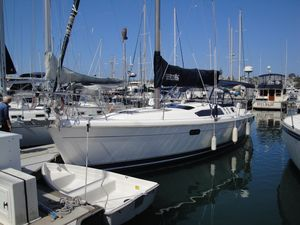 Used Hunter 376 Sloop Cruiser Sailboat For Sale