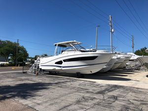 New Jeanneau Leader 10.5 Center Console Fishing Boat For Sale