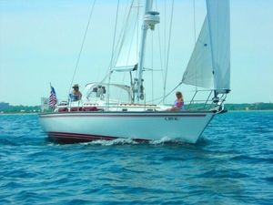 Used Endeavour E 38C Center Cockpit Sailboat For Sale