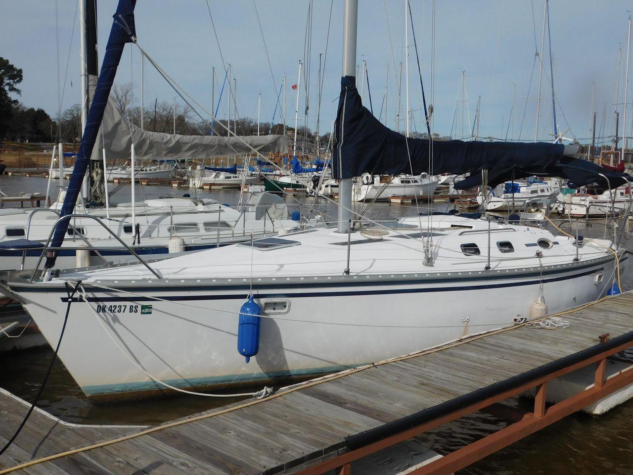 1988 Used Hunter 35 Sloop Sailboat For Sale 19 500 Gordonville