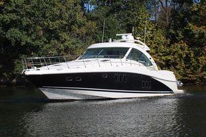 Used Sea Ray 610 Sundancer Express Cruiser Boat For Sale
