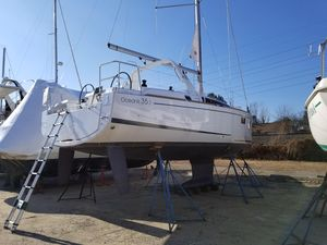 Used Beneteau Oceanis 35.1 Daysailer Sailboat For Sale