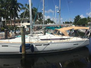 Used Jeanneau 439 Deck Saloon Sailboat For Sale