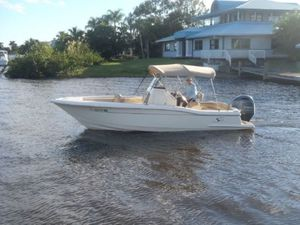 Used Scout 225XSF Center Console Fishing Boat For Sale