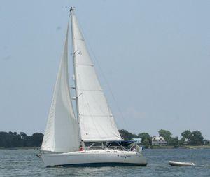 Used Beneteau Moorings 38 Cruiser Sailboat For Sale