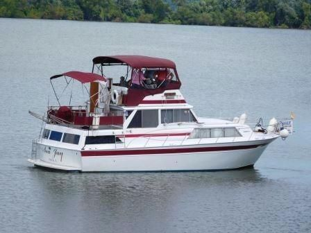 Used Marinette W/diesels Double Cabin Motor Yacht Motor Yacht For Sale