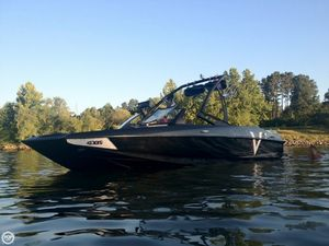 Used Axis A22 Vandall Edition Ski and Wakeboard Boat For Sale
