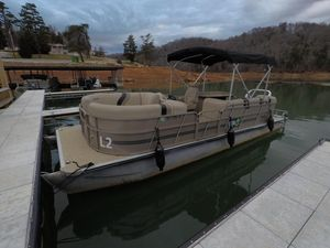 Used Bentley Pontoons 250/253 Party Cruise Pontoon Boat For Sale