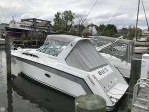 Used Regal 290 Commodore Express Cruiser Boat For Sale